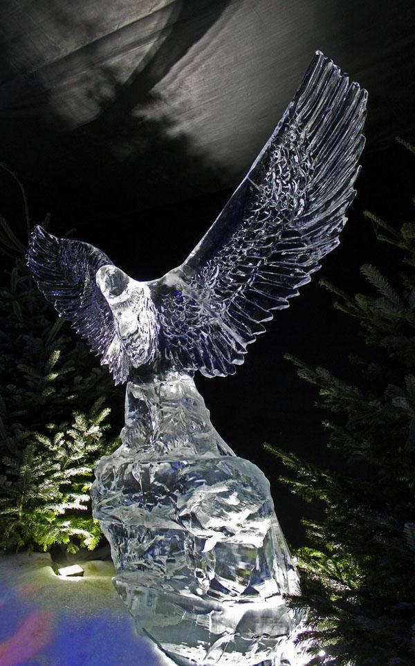 sculpture-de-glace-un-aigle