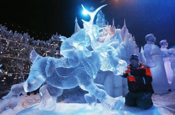 sculpture-de-glace-un-cerf