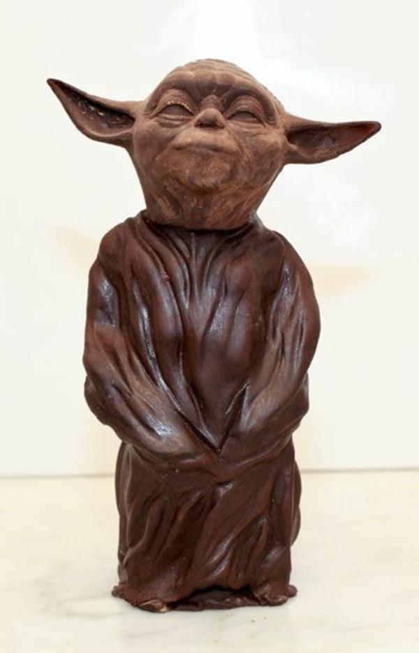 sculpture-en-chocolat-Yoda-en-chocolat