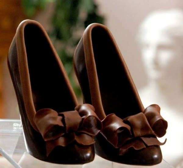 sculpture-en-chocolat-chaussures-à-talons-hauts