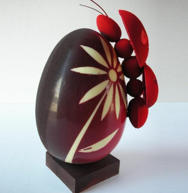 sculpture-en-chocolat-déco-de-pâques-élégante