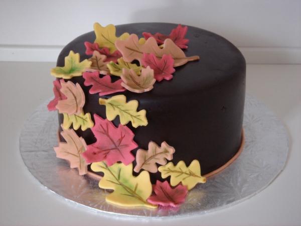 sculpture-en-chocolat-feuilles-de-fondant-de-chocolat