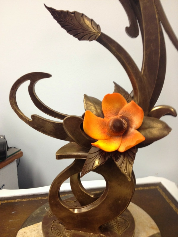 sculpture-en-chocolat-fleur-en-fondant-orange