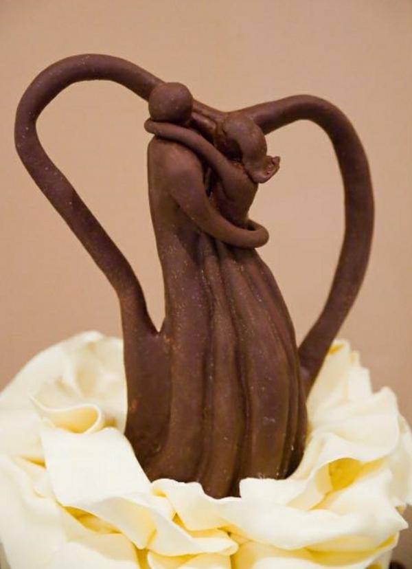 sculpture-en-chocolat-les-amoureux