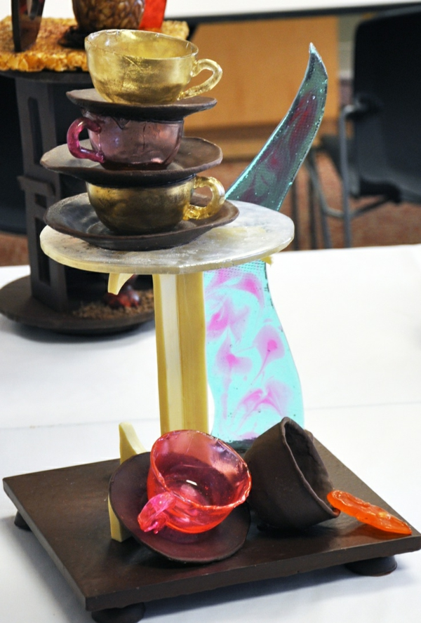 sculpture-en-chocolat-travail-avec-chocolat-et-sucre