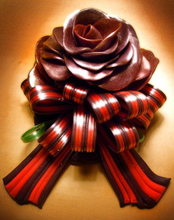 sculpture-en-chocolat-une-rose-glamoureuse