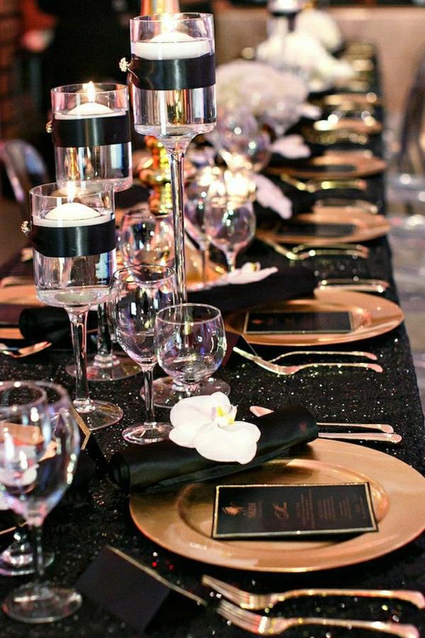 set-de-table-élégant-occasion-mariage-fete-serviette-noir-élégant