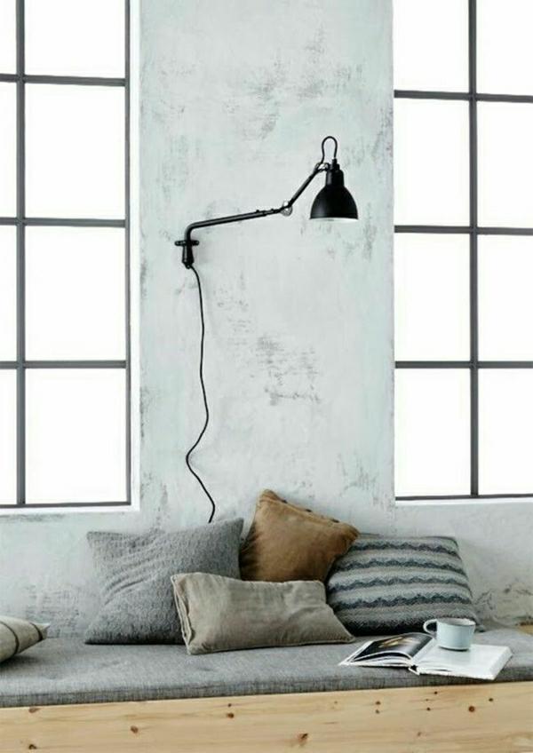 sol-en-parquet-lampe-de-chevet-en-fer-noir-sol-en-parquet-coussins