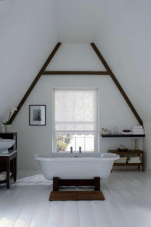 sol-planche-salle-de-bain-blanche