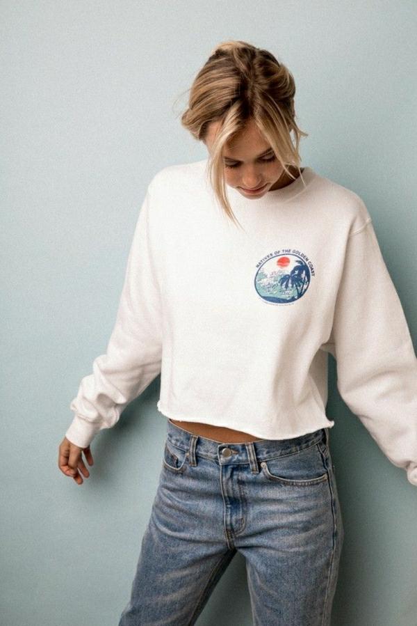 sweatshirt-femme-blanc-denim-rétro-chic