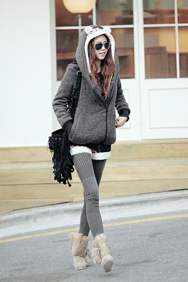 sweatshirt-gris-femme-outfit-négligent-mode-lunettes-de-soleil