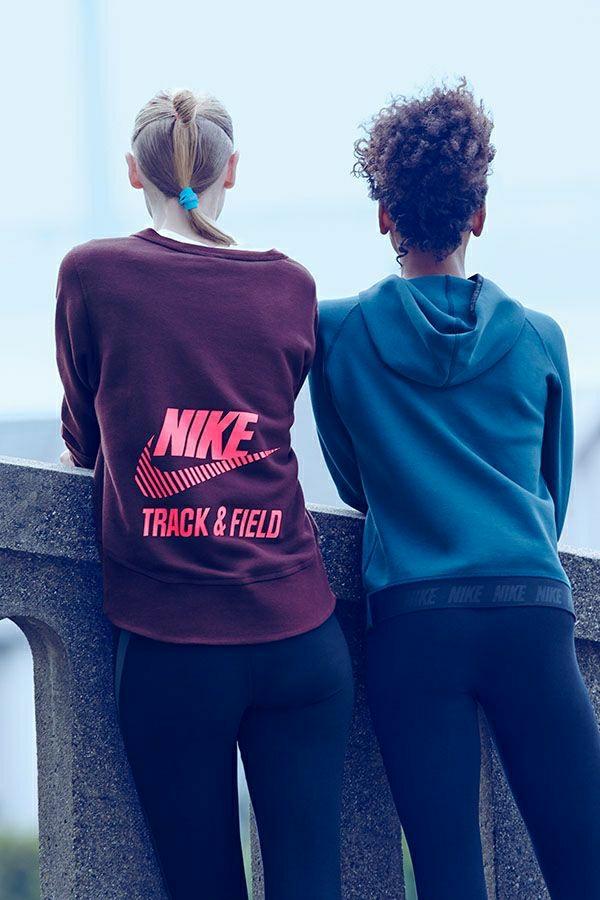 sweatshirts-sportifs-coloré-fille-mode-cheveux-blonde-brunette