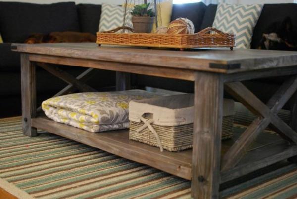table-basse-palette-idée-insolite-tapis-coloré