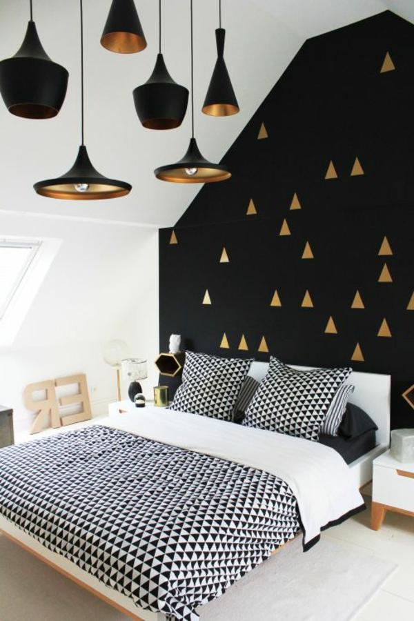 table-chevet-chambre-à-coucher-noir-et-blanc-doree