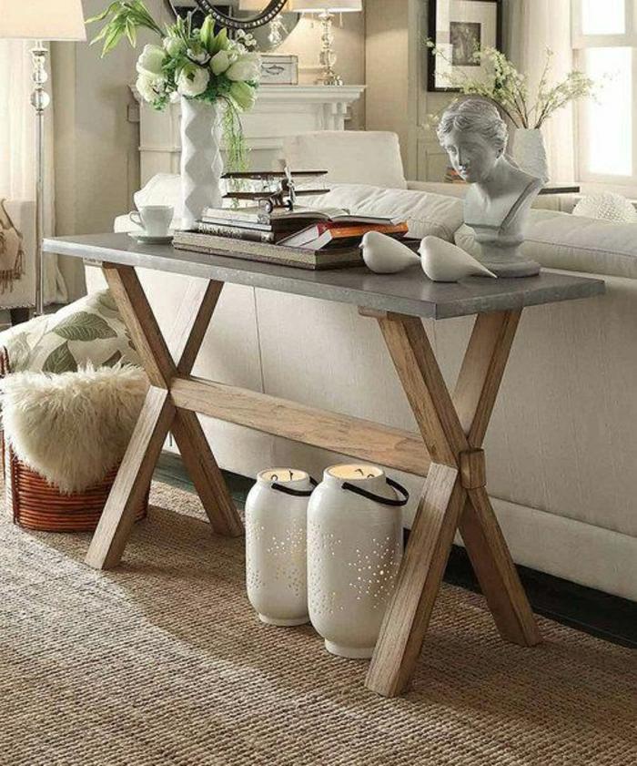 table-d-appoint-salon-confortable-canapé-blanc-fleurs-sculpture-miroir