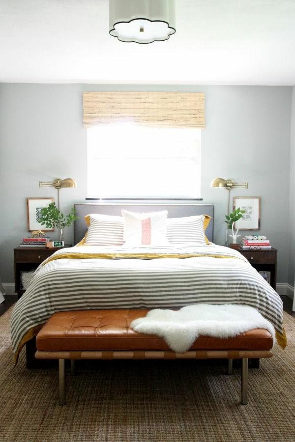 table-pas-cher-de-chevet-lit-coucher-lampes-les-deux-cotes
