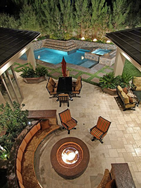 tables-de-jardin-aménagement-de-jardin-idée-maison-grande-piscine