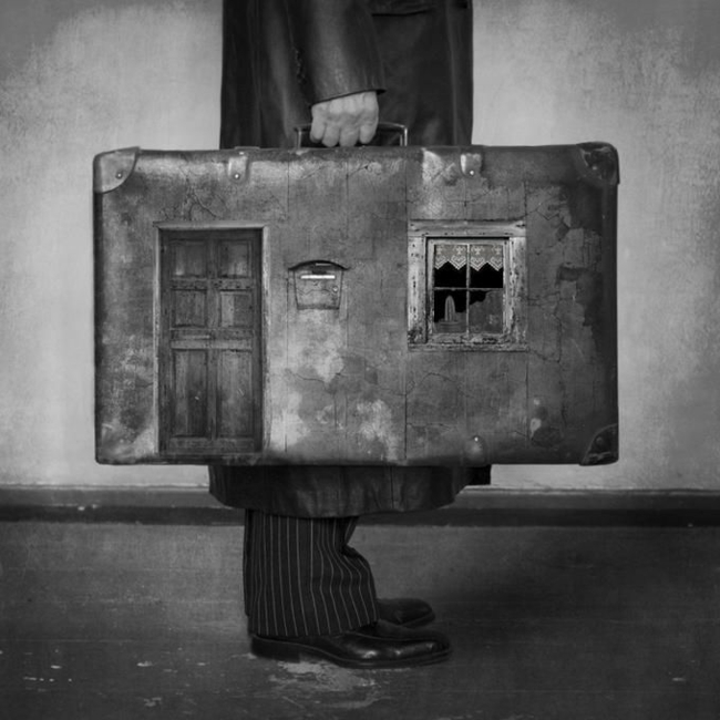 taille-valise-cabine-aéroplane-photo-blanc-et-noir-penser-valise-maison
