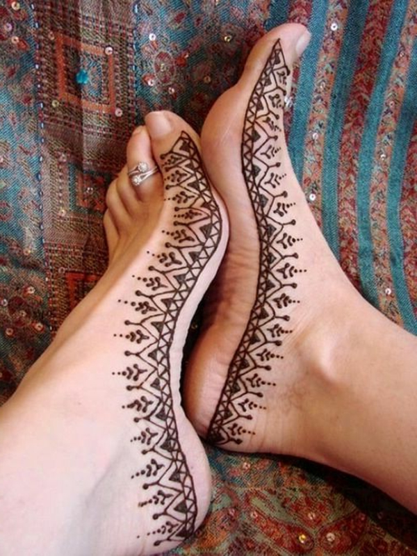 tatouage-aine-hene-idée-créative-pieds
