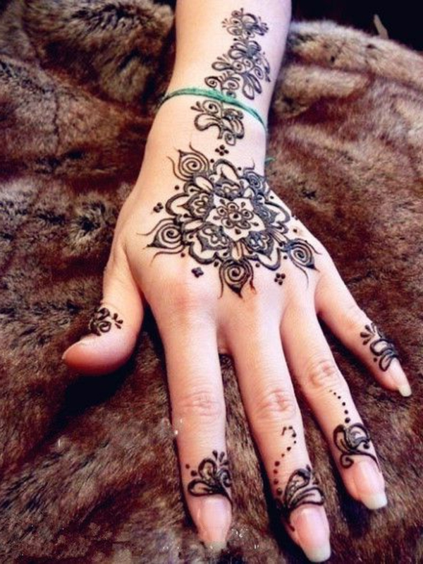 tatouage-henné-idees-creatives-jolie-main
