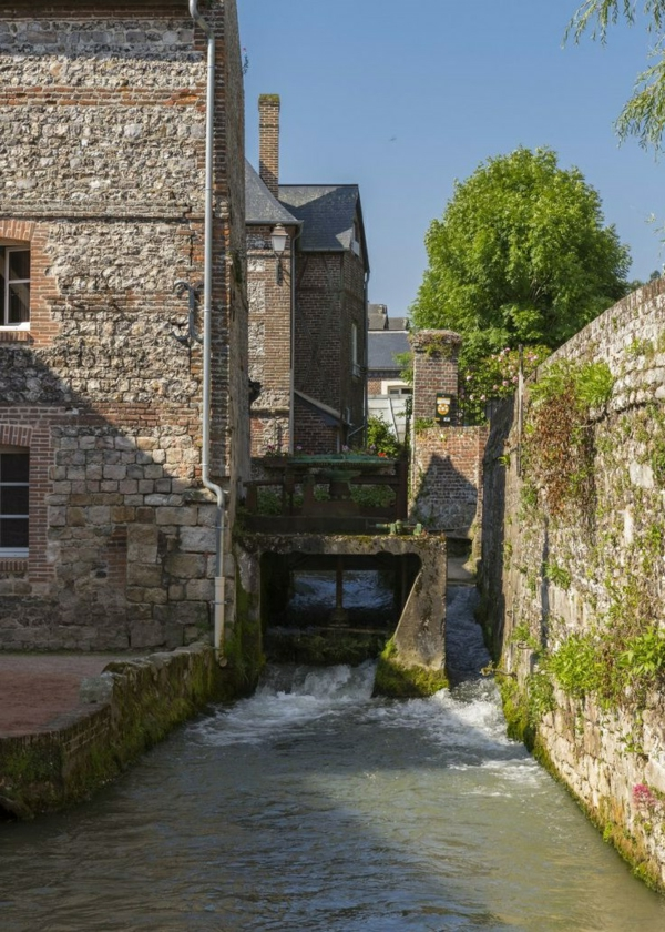 un-coin-à-veules-la-fleuve-les-maisons-pierre