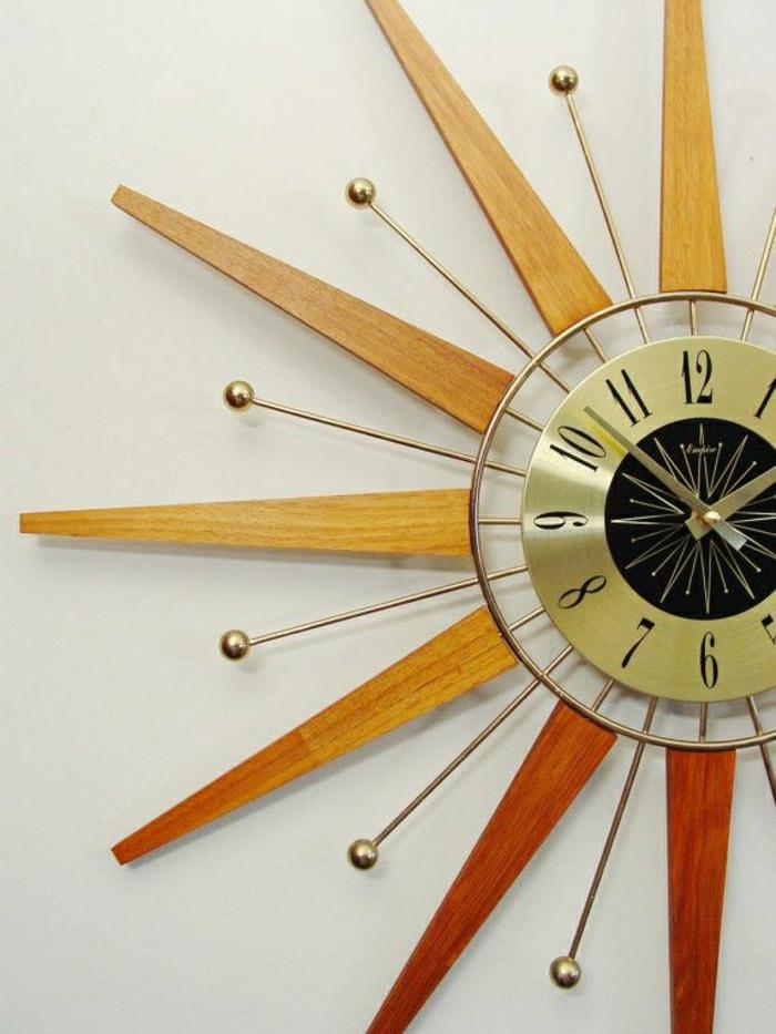 un-grand-horloge-murale-en-bois-design-élégant-pendule-murale