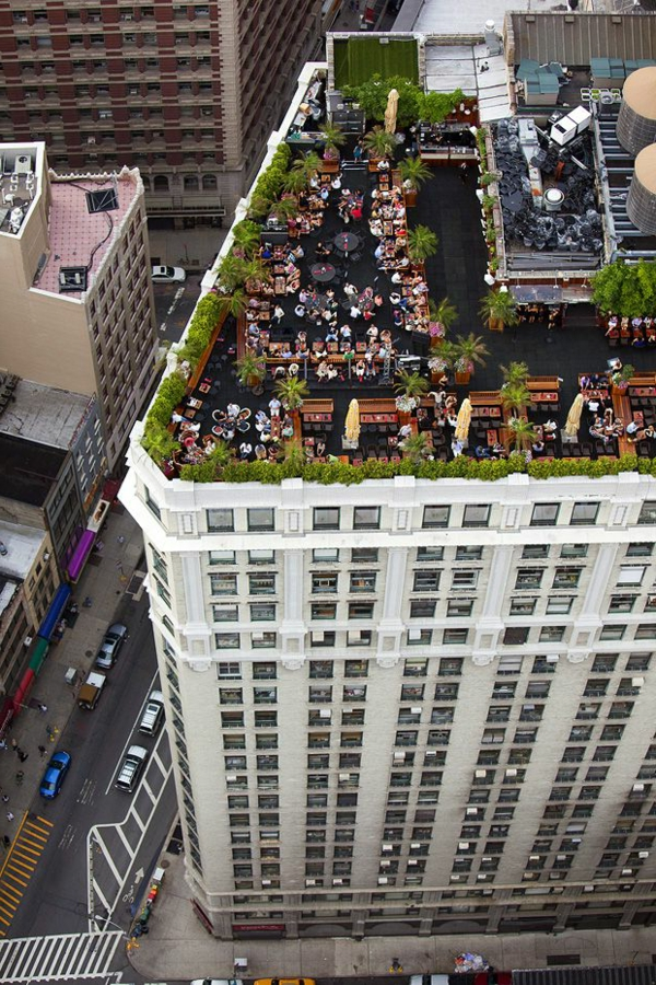 un-restaurant-sur-le-toit-New-York