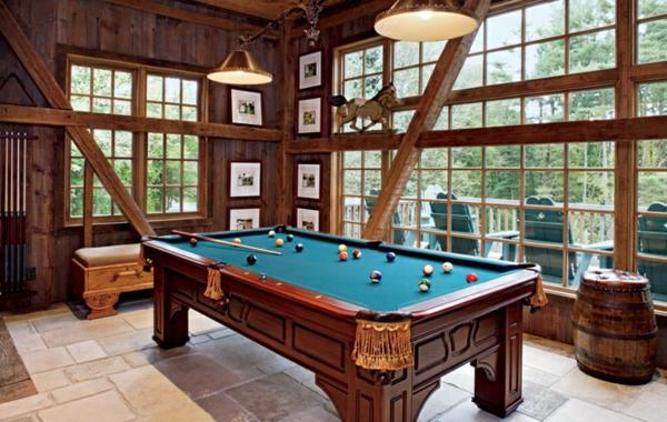 une-chambre-de-sejour-bien-décoré-classique-table-billard-manger-resized