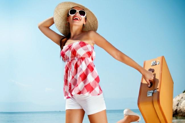 valise-cabine-voyager-avec-style-aller-au-bord-de-la-mer