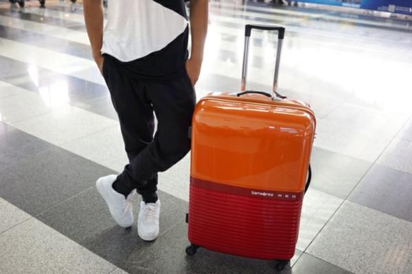 valise-pas-cher-tenue-de-jour-orange-samsonite