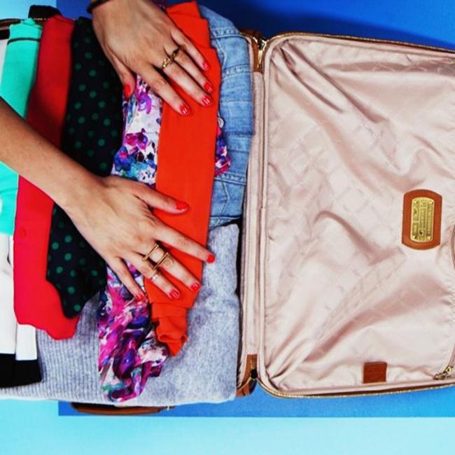 valises-delsey-valise-trolley-packing-vetements-pour-le-weekend-de-voyage