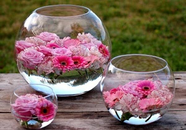 Le vase boule petit objet avec de grandes id es - Decoration avec des fleurs ...