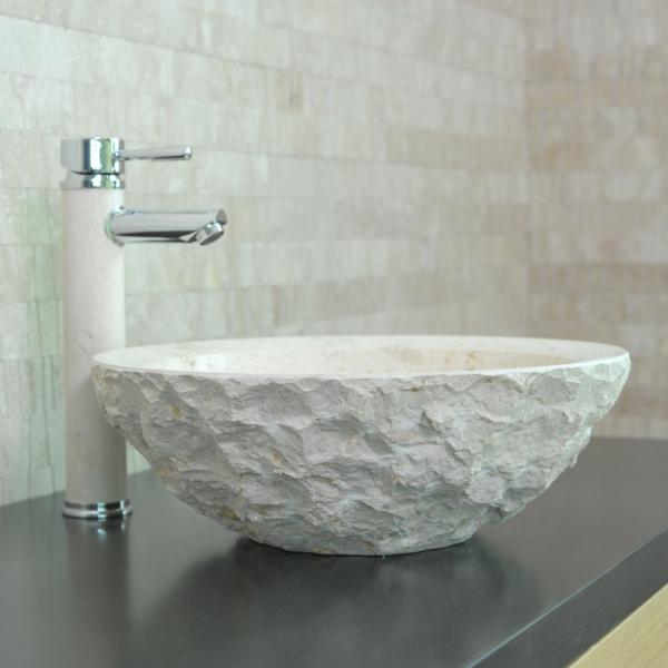 vasque-en-pierre-blanche-finition-piquée