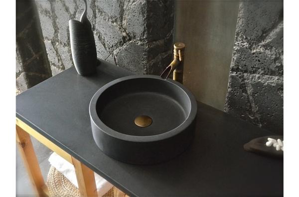 vasque-en-pierre-noire-stylée