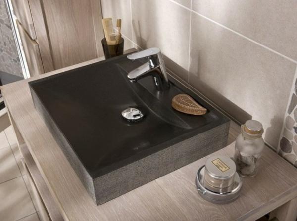 vasque-en-pierre-vasuqe-en-pierre-noire-élégante