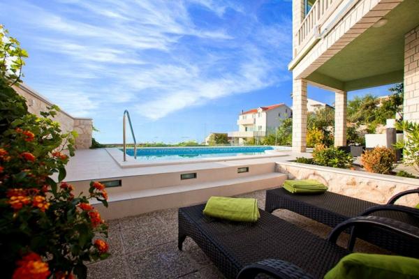 Exemple Facon De Entre Villa En Tunisie  villa contemporaine, villas