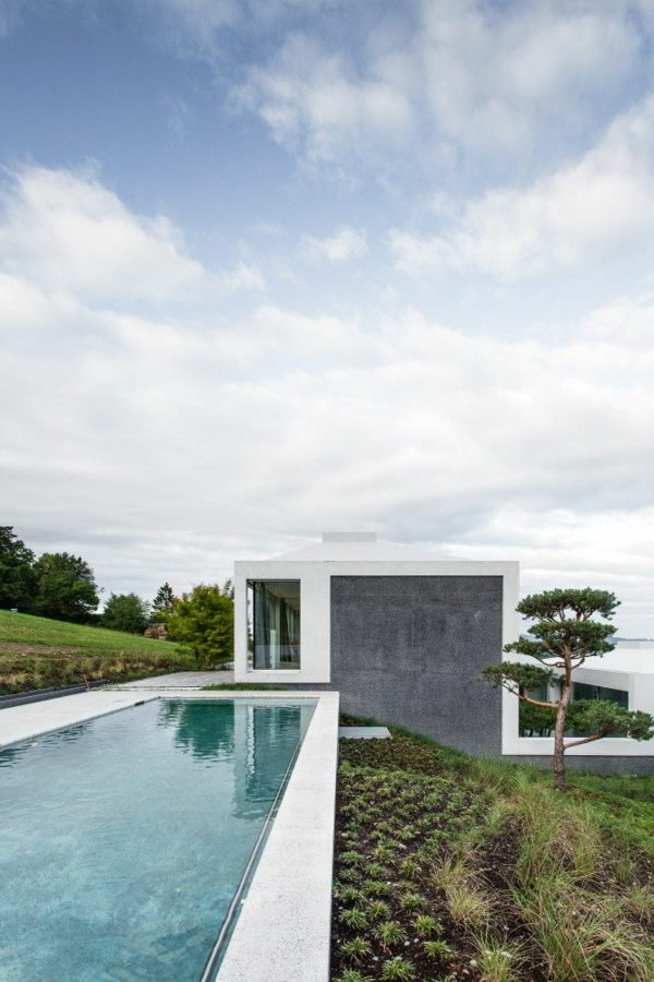 L 39 architecture de la villa contemporaine for Piscine design contemporaine