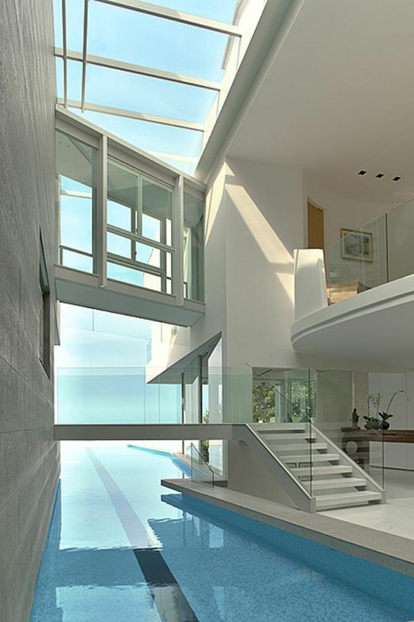 villa-contemporaine-intérieur-blanc