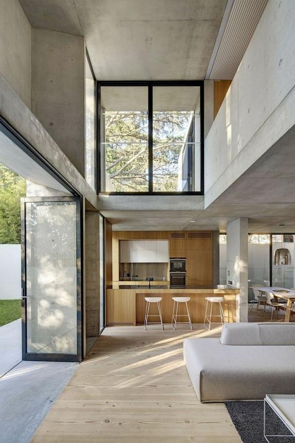 villa-contemporaine-intérieur-en-béton-et-bois