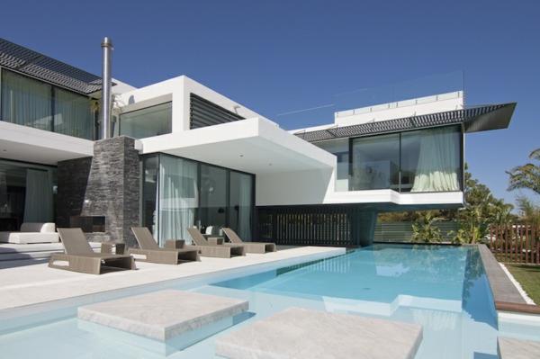 L 39 architecture de la villa contemporaine for Jardin pour villa moderne