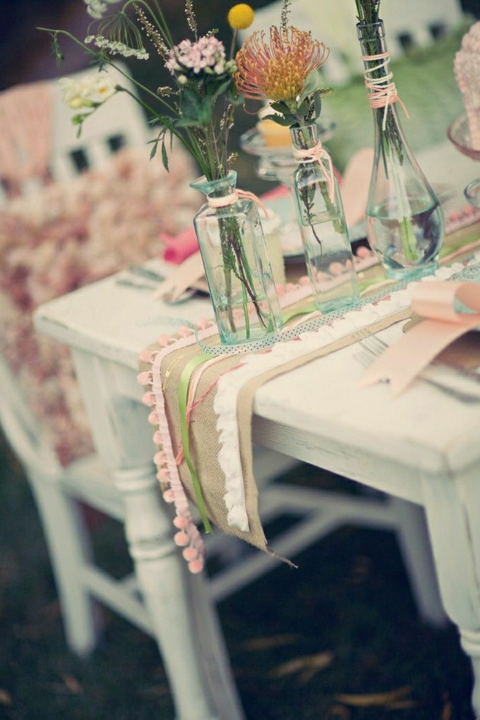 0-chemin-de-table-centre-de-table-couleur-pastel-idée-décoration-de-table