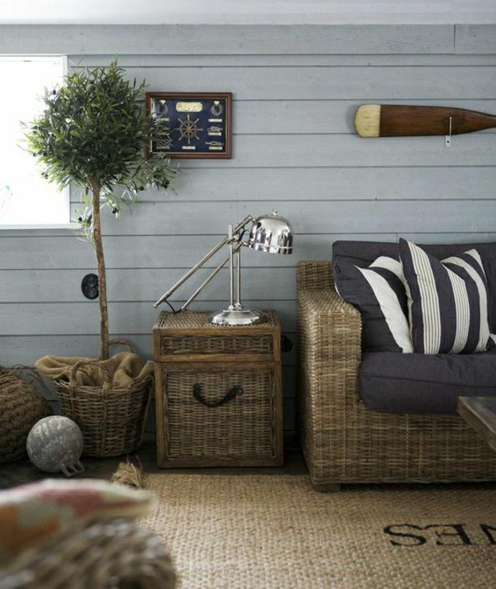 0-décoration-marine-idée-salon-bleu-mur-de-plancher-bleu-plante-d-intérieur-lampe-de-lecture