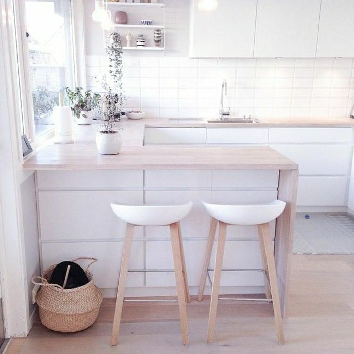 Comment adopter le tabouret de bar dans l39interieur moderne for Deco cuisine avec chaise blanche et bois