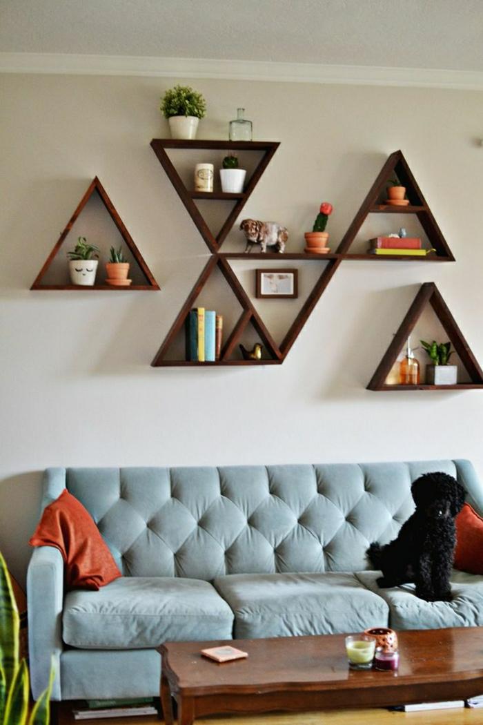 1-étagère-en-bois-marron-foncé-canapé-gris-table-basse-en-bois-foncé-etagere-en-bois