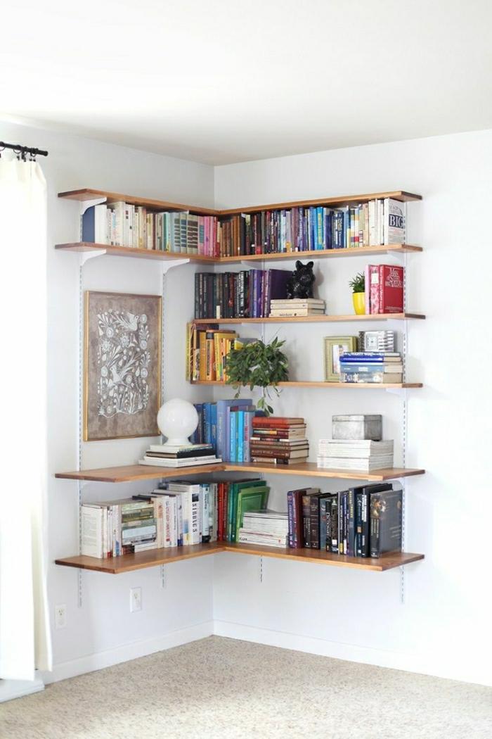 1-étagère-murale-d-angle-en-bois-livres-sol-en-lin-murs-blancs