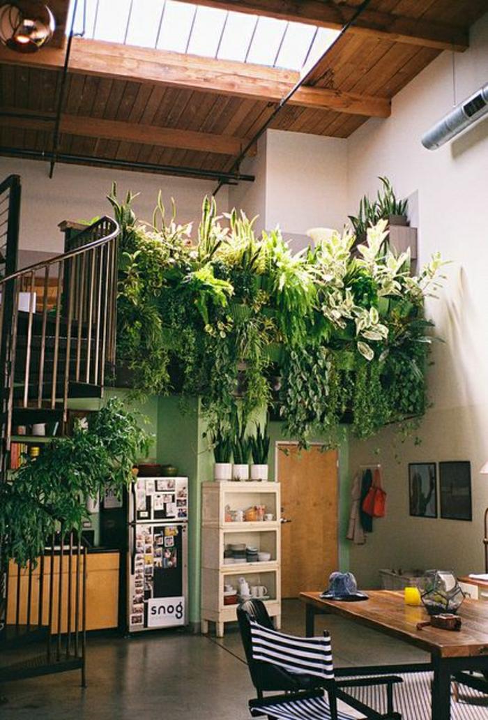 1-aménagement-sous-escalier-cuisine-insolite-sous-escalier-plantes-vertes-ateliers-et-studios