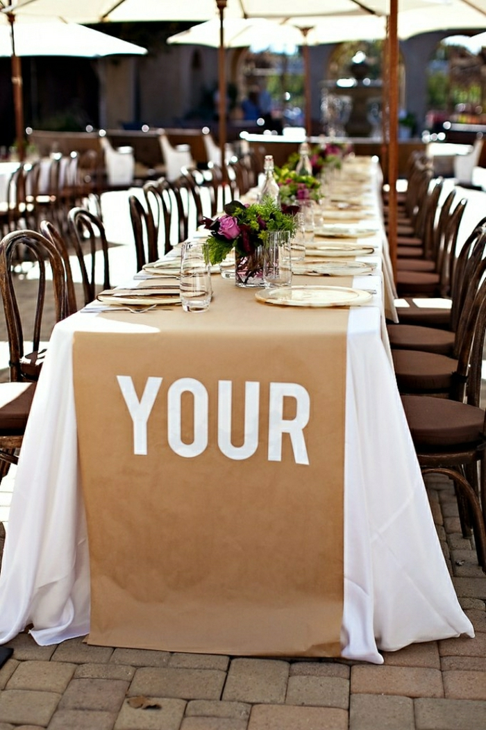 1-chemin-de-table-papier-set-de-table-élégant-fleurs-nappe-blanche-table0mariage