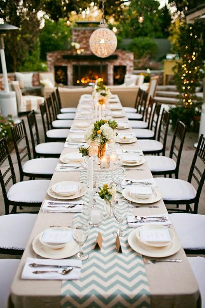 1-chemins-de-table-a-rayures-blanc-bleu-set-de-table-élégant-fleurs-sur-la-table-décoration