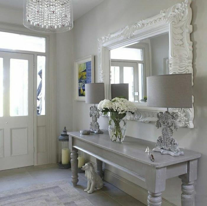 1-console-d-entrée-meubles-d-entrée-en-bois-gris-lampe-gris-fleurs-sur-le-meuble-d-entree