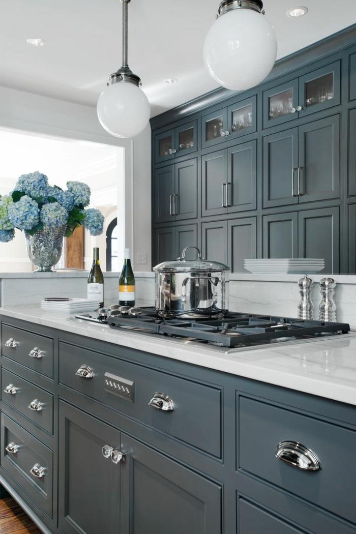 1-cuisine-gris-anthracite-meubles-de-cuisine-modele-de-cuisine-en-gris-aménagement-cuisine